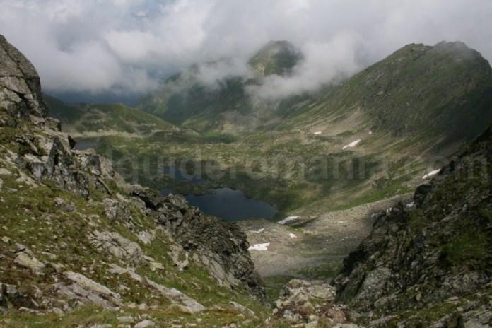 Lacul Podragu - Muntii Fagaras - descopera Romania