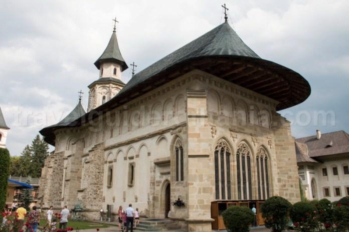 Monumente din patrimoniul arhitectural romanesc - Manastirea Putna