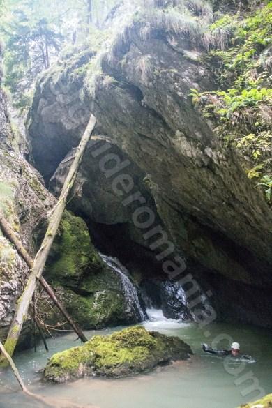 Canyoning in Muntii Apuseni - Canionul si Cheile Galbenei