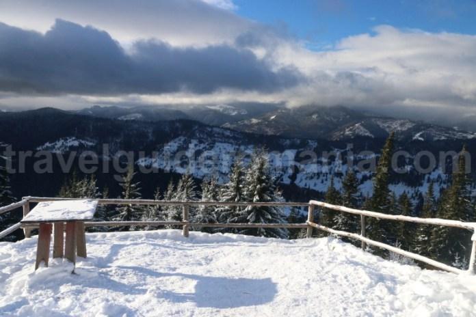 Vedere de la cabana turistica - Izvorul Muntelui