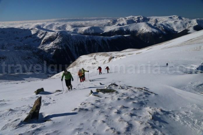 Trasee turistice in Muntii Godeanu - Varful Gugu - Varful Morarul