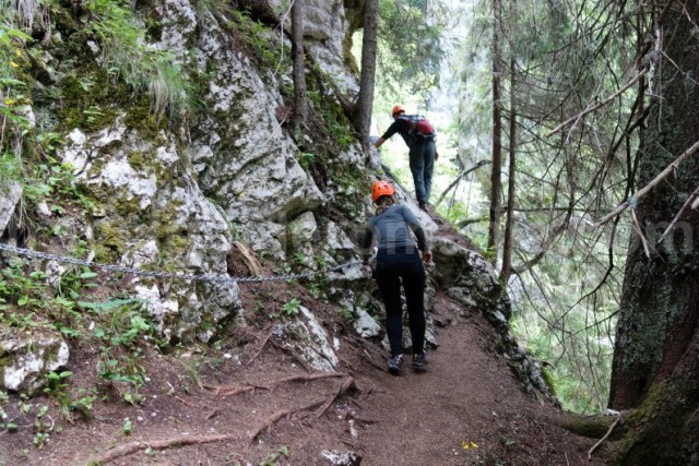 excursii-montane-organizate-de-ghid-montan-muntii-bucegi-valea-horoabei