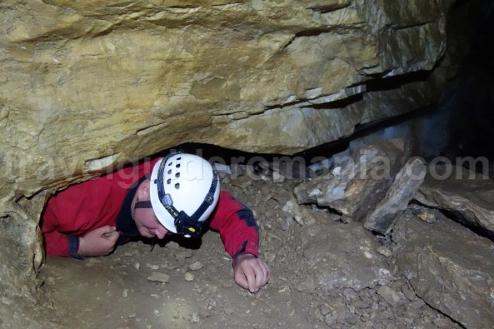Turism de aventura in Pestera Sugau