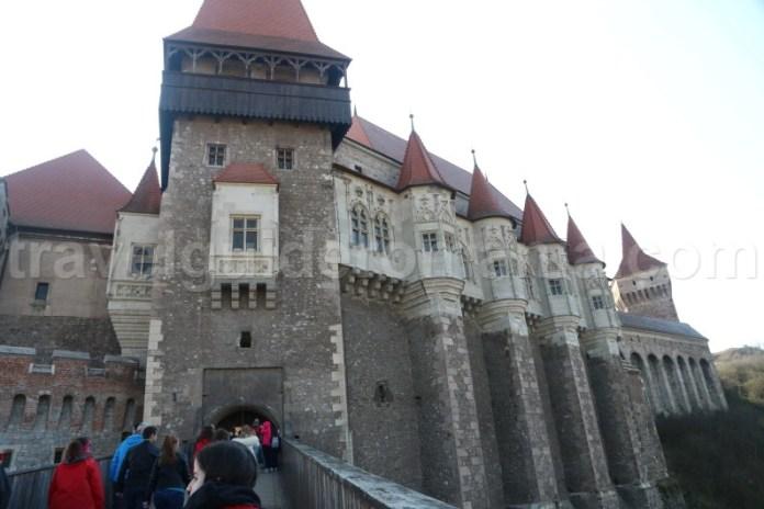 Locuri de vazut in Romania - Castelul Corvinilor