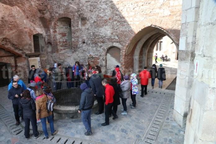 Legendele Castelului de la Hunedoara