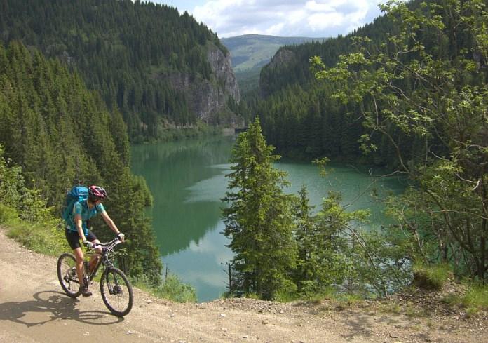 lac bolboci bucegi bicicleta mtb