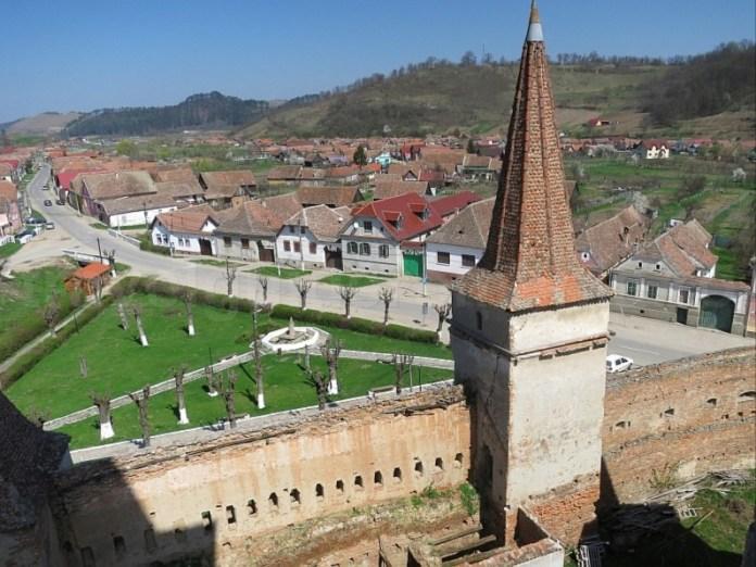 sat mosna din biserica fortificata transilvania