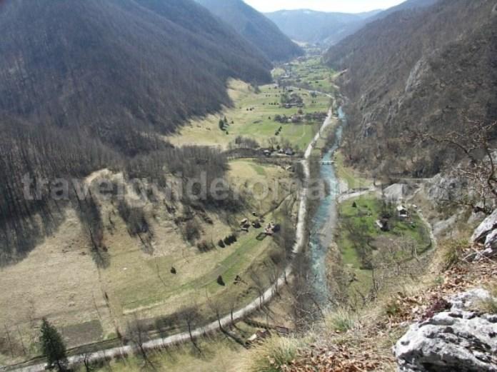 valea-iadului-remeti-Padurea-Craiului-Apuseni