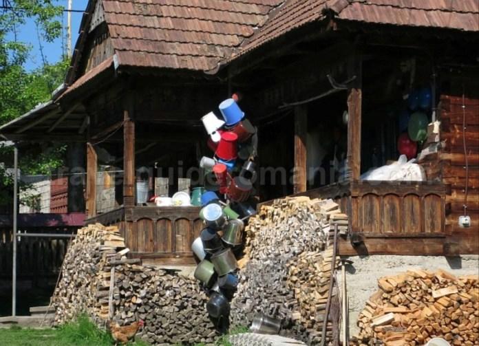 Destinaţia ecoturistică Mara Cosău Creasta Cocoșului Maramureş breb casa lemn traditionala
