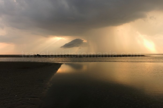 rezervatia biosferei delta dunarii caiac sacalin