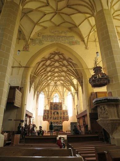 interior biserica fortificata biertan unesco