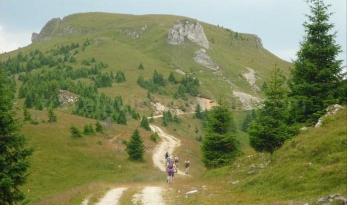 muntii latoritei drumul strategic boarnesu calcar mountain-biking mtb