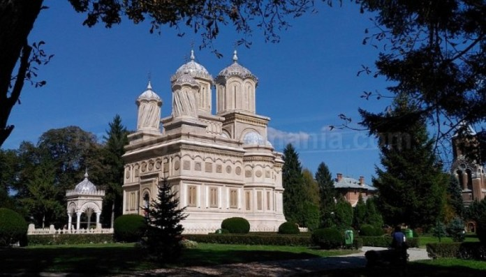 manastirea curtea de arges transfagarasan