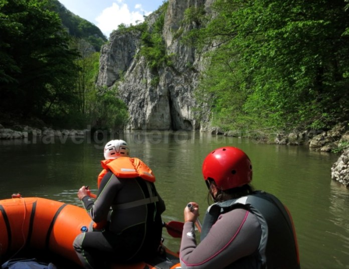 Parcul National Cheile Nerei Beusnita rafting caiac
