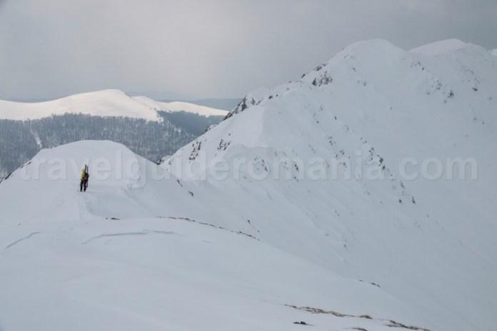 Schi de tura in valea Jiului - Creasta Oslea