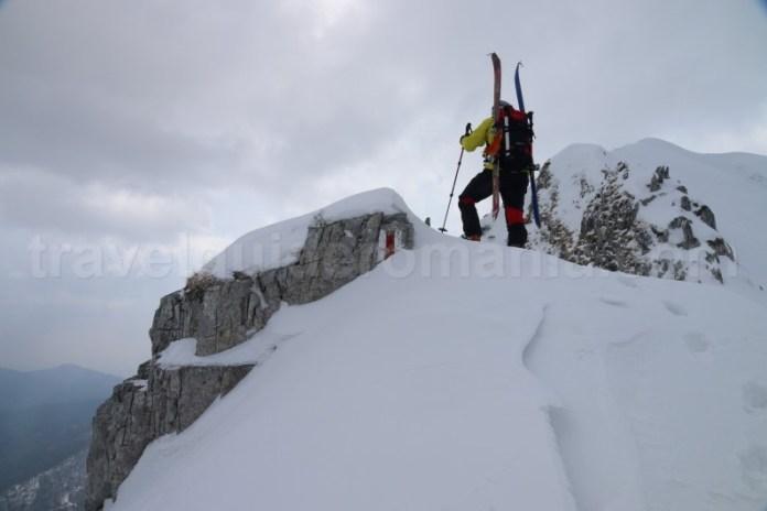 Trasee spectaculoase pe munte iarna in Romania