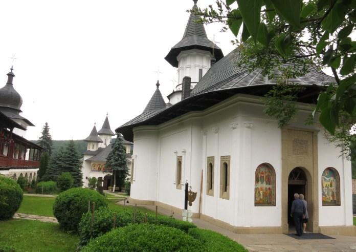 manastirea secu tinutul zimbrului