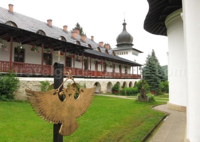 manastirea secu parc vanatori neamt toaca tinutul zimbrilor
