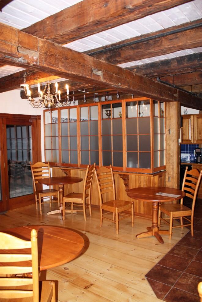 Yellow Farmhouse Inn, Dining Area