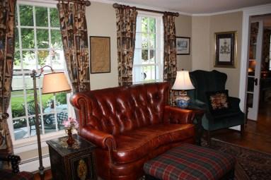 Dorset Inn Entry