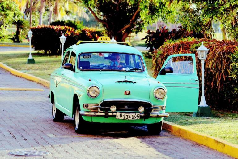 cars in cuba pictures