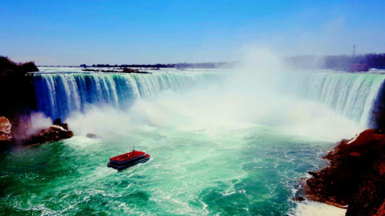 Top Things To Do In Canada: Maid Of The Mist - Niagara Falls, Canada