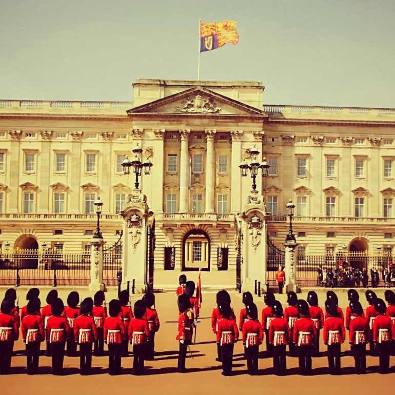 3 Days in London - Day 1 of London Travel Itinerary- Buckingham Palace