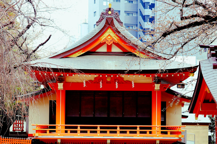 Things to do in Tokyo: Get away frm the crowds at Hanazono Shrine