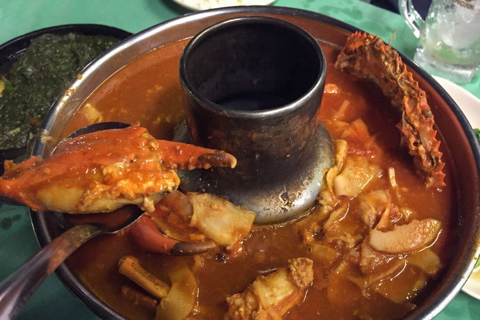 Best seafood dishes around the world - Gang Som Crab Curry, Thailand