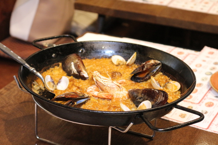 Best seafood dishes in the world - Paella, Spain