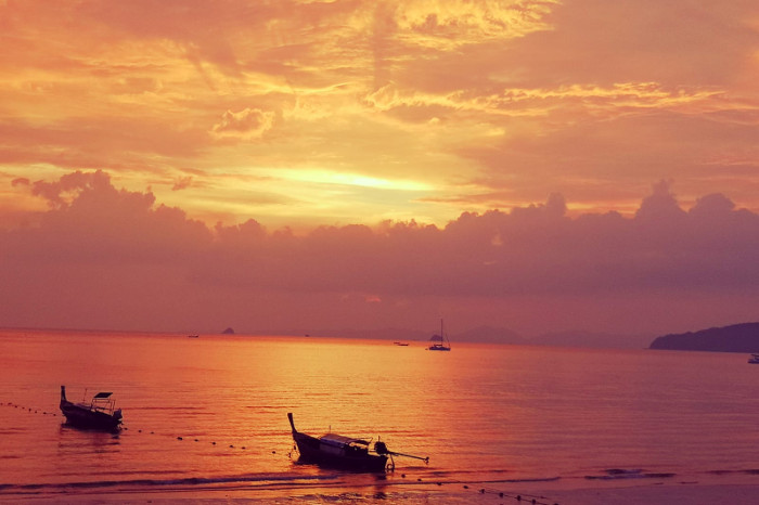 Things to do in Krabi Thailand: Watch the sunset at Aonang Beach