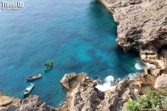 itbayat batanes boats cliffs