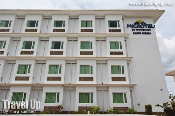 microtel south forbes near nuvali sta. rosa facade 02