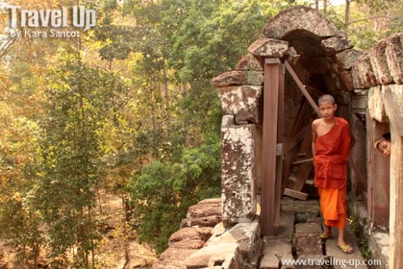 biking day 2 cambodia angkor archaelogical park phimeanakas monks
