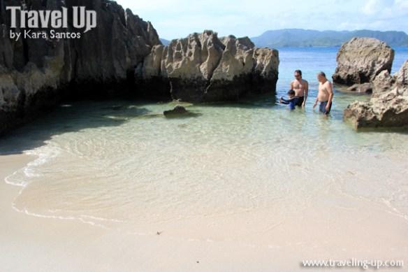 caramoan island hopping catanaguan island rocks white sand