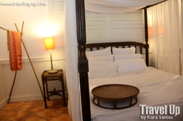 stay at the plant bistro tagaytay guest room bed
