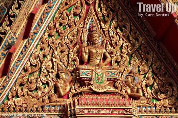 amphawa thailand temple carvings