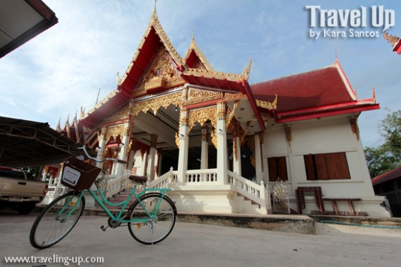 bicycle amphawa thailand temple morning