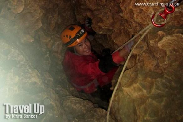 05-lobo-cave-jiabong-samar-rapelling-down-pothole