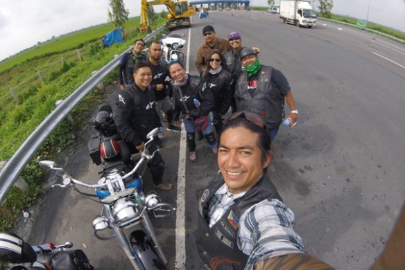 06-ride-along-motorcycle-tours-philippines-group-shot