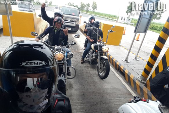 08-ride-along-motorcycle-tours-philippines-toll-gate