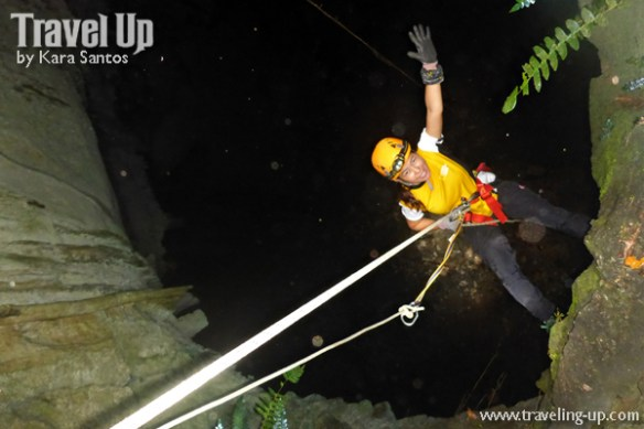 central cave samar entrance rappelling travelup