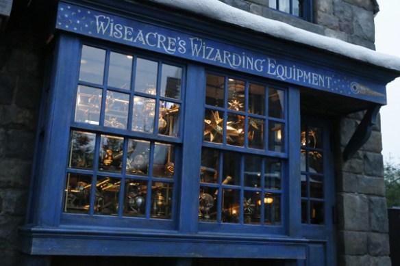 wizarding-world-of-harry-potter-universal-studios-japan-wiseacress-wizarding-equipment