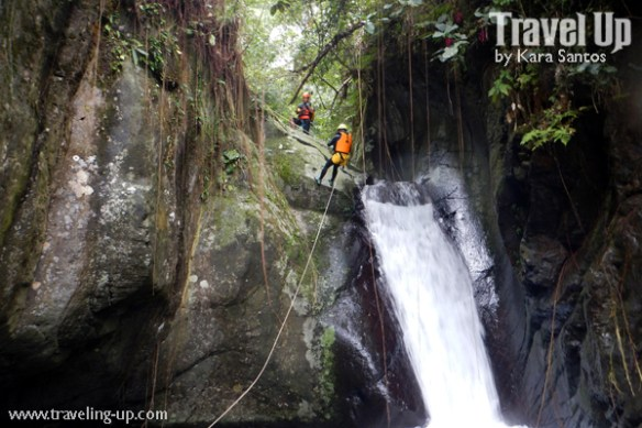 canyoning-in-biliran-rappeling-falls-travelup