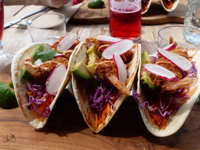 3 tacos aux crevettes Yew Bar Biscarrosse