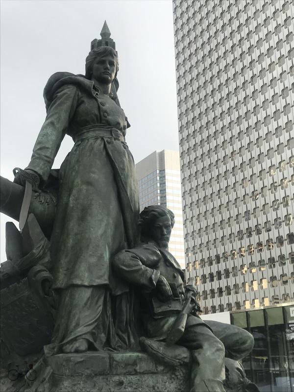 statue allégorie de La Défense