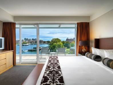 Inn at laurel point, victoria accommodations, Aura restaurant