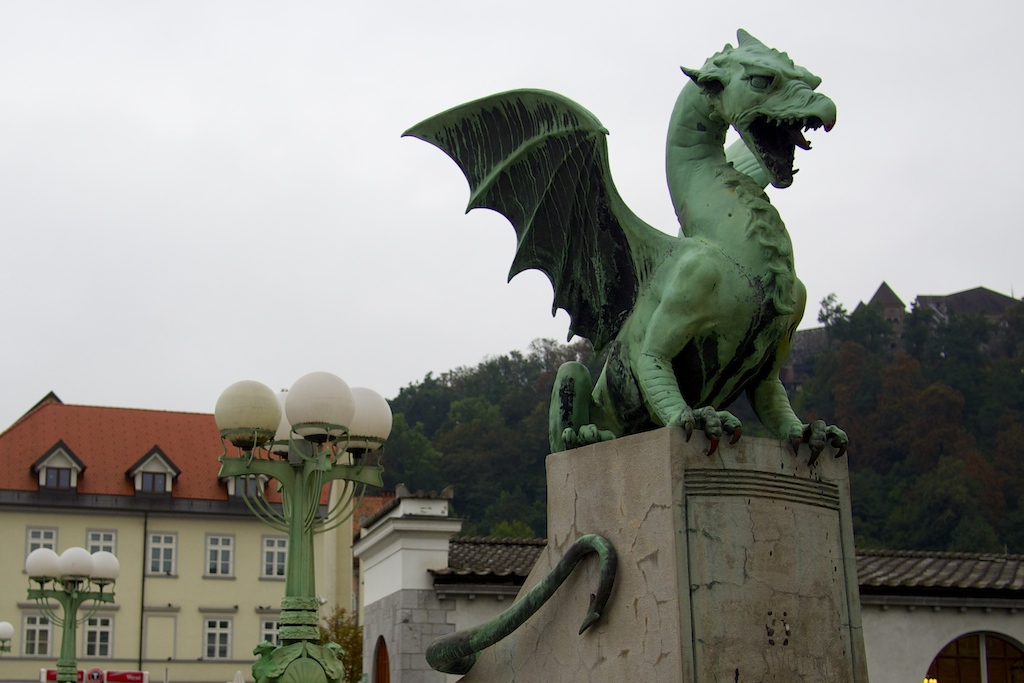 Kurvenspaß Slowenien Dragon Brücke Ljubljana