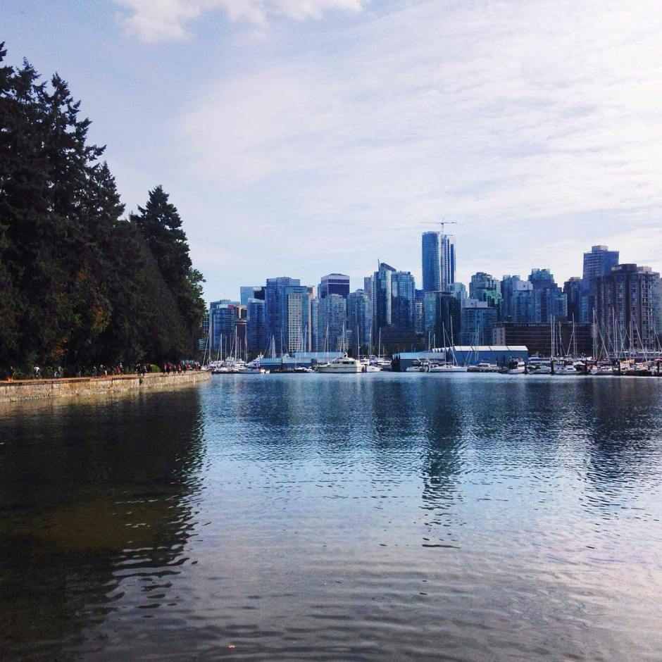 The reason I loved Vancouver so much was the closeness to the mountains and water! Such an amazing place :) ✨ #stanleypark