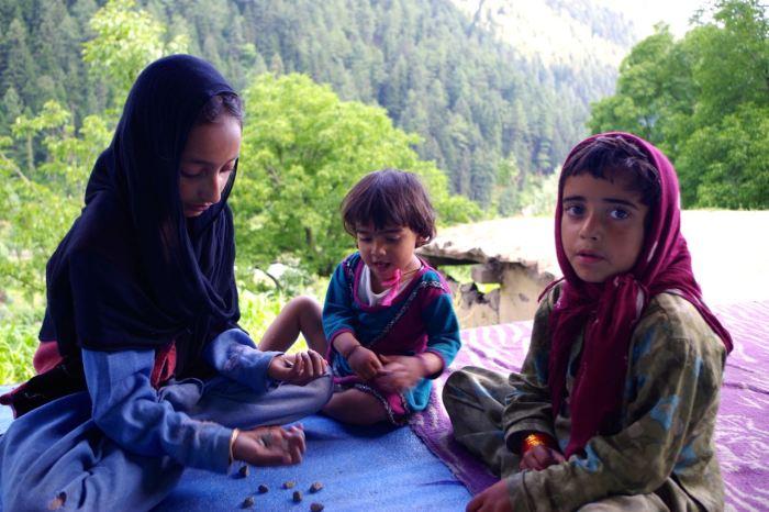 kaschmir-trekking-naranagh-kinder
